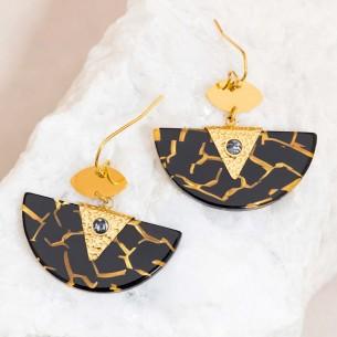 Boucles d'oreilles MINARAL Black Gold Pendantes pavées Terrazzo Doré et Noir Acier inoxydable Howlite noire et Résines