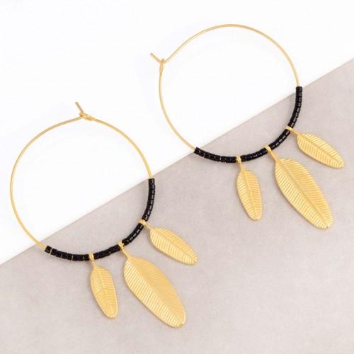Boucles d'oreilles ELUNA Black Gold Créoles à pendentif Plumes ethniques Doré et Noir Acier inoxydable Perles de cristal